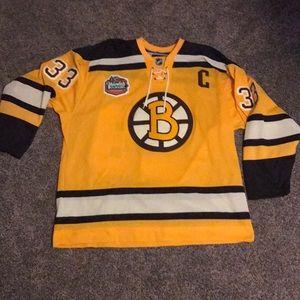2010 Boston Bruins winter classic jersey